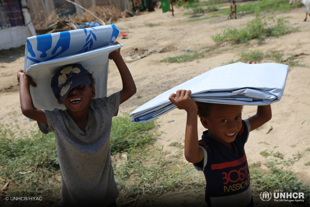 UNHCR distributes aid and plastic sheets to displaced communities in Lahj, Yemen